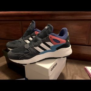 """🔥🔥 Adidas """"chaos"""" sneakers"""